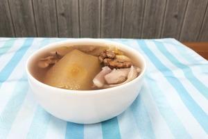 電飯煲都整到!初秋滋潤解燥湯水 蘋果百合素湯