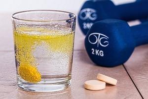 【消委會報告】過量服用維他命或致中風  2款楓之寶補充品一粒已超建議食量