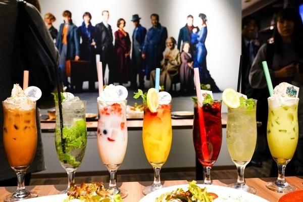 日本東京有全球首間怪獸與牠們的產地主題Cafe,還加入哈利波特電影元素。