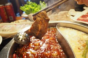 內地被爆火鍋羊肉片作假:狐狸肉鴨肉混合扮羊
