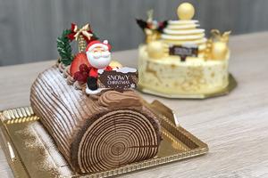 蛋糕店A-1 Bakery和Das Gute新推出聖誕蛋糕,有聖誕樹頭卷蛋和白色聖誕樹蛋糕等,分別是有朱古力和忌廉芝士味,大家可以買個在聖誕派對時跟朋友開心share~