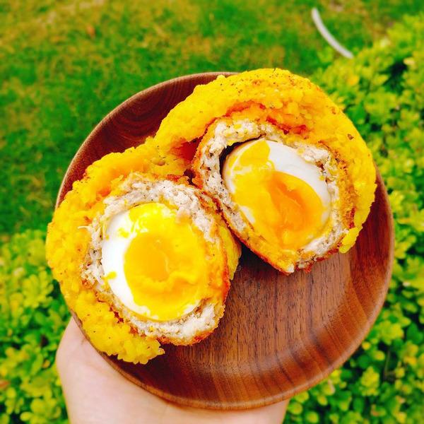 台北早餐推介2018可試試貍貓超人黃金飯糰的招牌爆蛋肉丸飯糰、黃金豆乳炸雞飯丸飯糰和韓式泡菜燒肉飯糰。