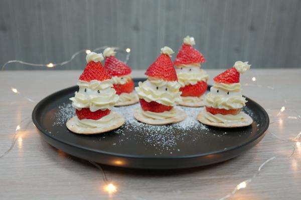 【聖誕食譜】超簡單聖誕Party甜品小食!可愛士多啤梨聖誕老人