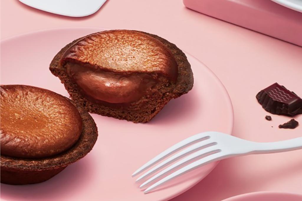 日本芝士撻店BAKE CHEESE TART將推出情人節限定朱古力芝士流心撻。