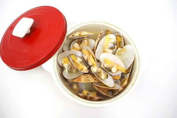 【海鮮食譜】超簡單4種材料就做到! 香噴噴清酒煮蜆