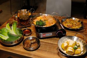 尖沙咀Joomak引入Omnipork植物豬肉推出90分鐘素食放題 素芝士薯條/生菜包/自選煎餅