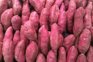 【紫薯食譜】紫薯與紫心番薯營養口感大不同  教你3招如何分辨真紫薯!