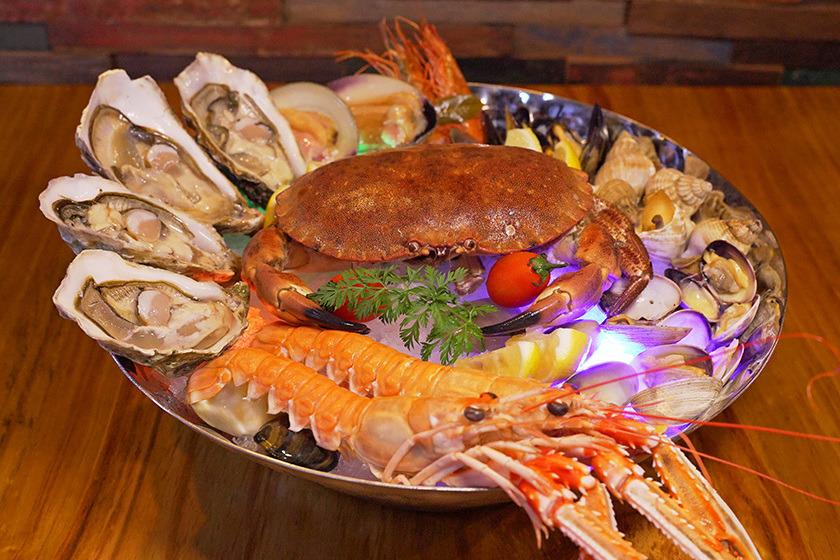 【北角美食2019】北角天后蠔酒吧新開張 生蠔買一送一/自設魚缸養新鮮游水麵包蟹